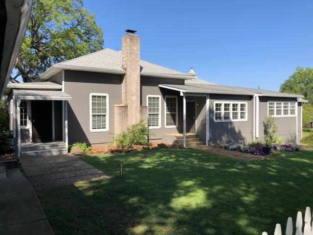 1344 Oakdale Ln, Redding, CA 96002