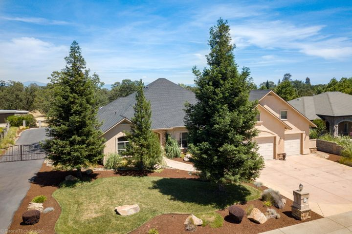 1117 Hope Ln, Redding, CA 96003