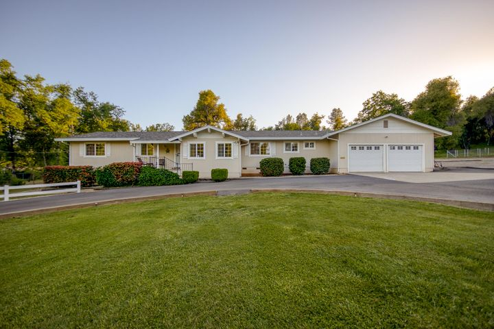 8410 Valley View Rd, Redding, CA 96001
