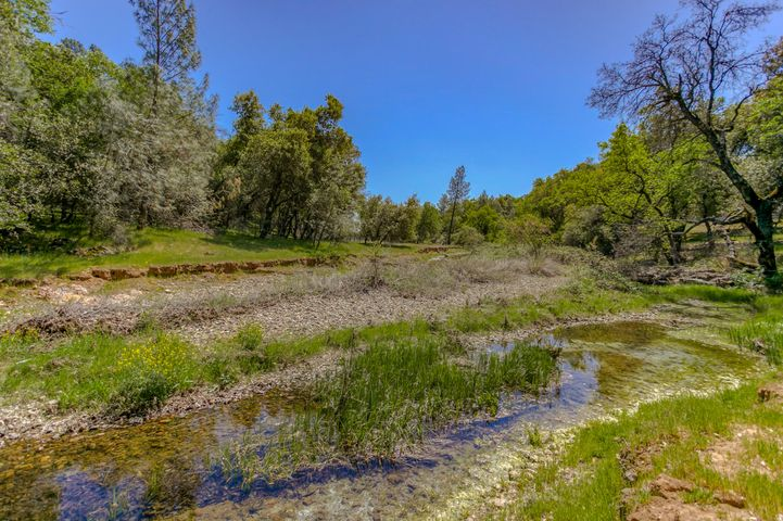 13277 Fernie Way, Redding, CA 96003