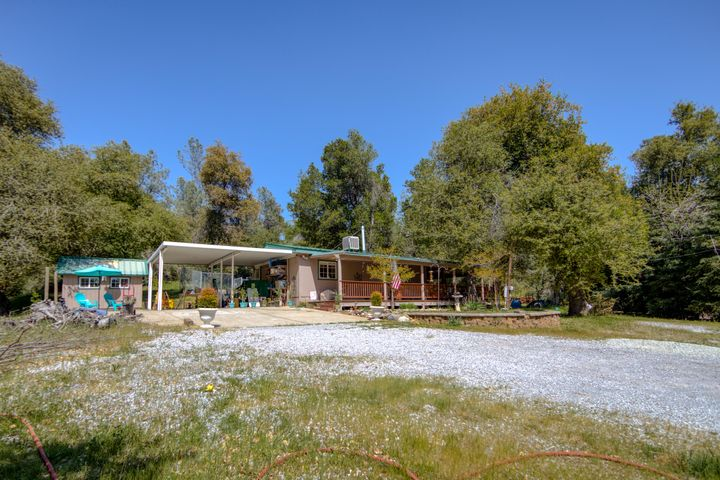 1955 Herbscenta Ln, Redding, CA 96003