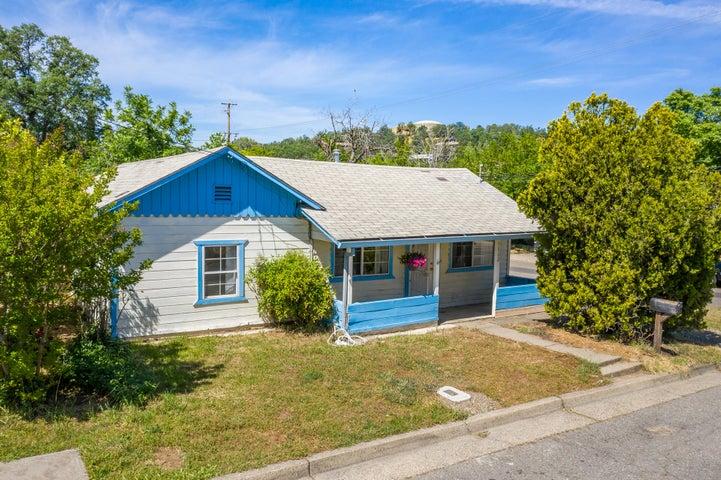 1602 Cottonwood Ave, Redding, CA 96001
