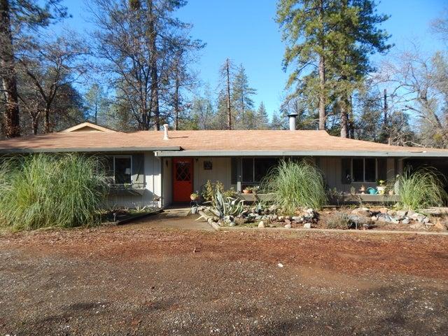 17650 Melwood Ln, Redding, CA 96003