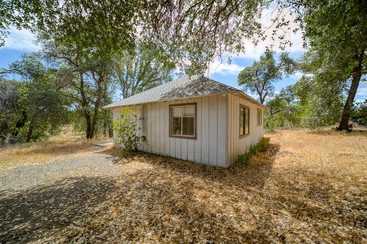 8695 Churn View Pl, Redding, CA 96002
