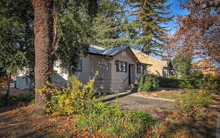 1324 Oregon St, Redding, CA 96001