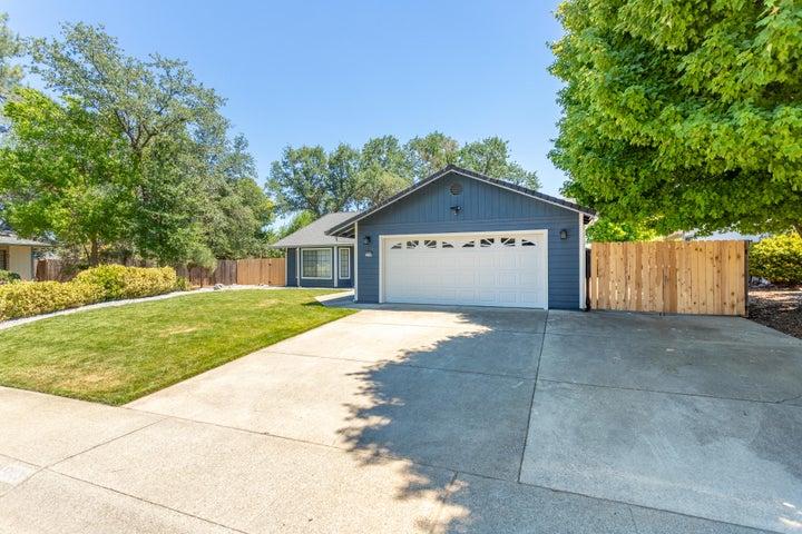 5863 Avery Way, Redding, CA 96003