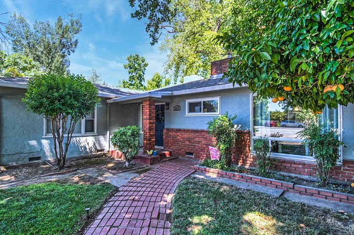 2672 N Bonnyview Rd, Redding, CA 96001