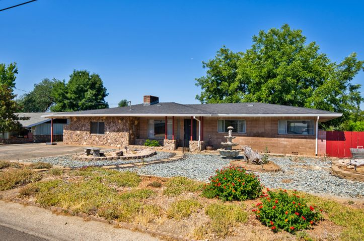 3674 Ricardo Ave, Redding, CA 96002