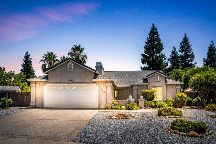 1035 Hillsdale Ct, Redding, CA 96003