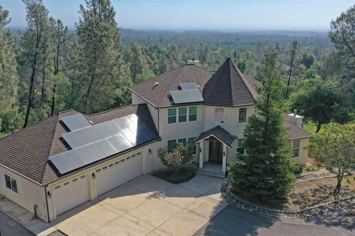 Island in the Sky, custom majesty, Tall pines and that Tahoe charm