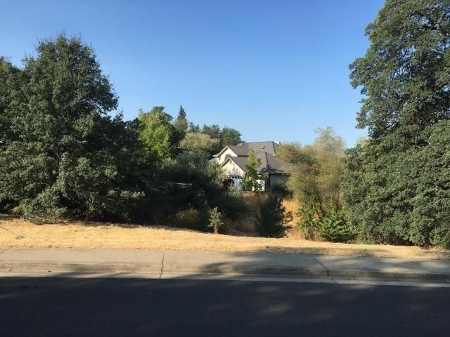 1858 Gold Hills Dr, Redding, CA 96003