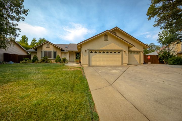 11330 Rugby Hill Dr, Redding, CA 96003