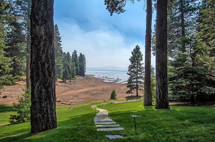 642 Peninsula Dr, Lake Almanor Country Club, CA 96137