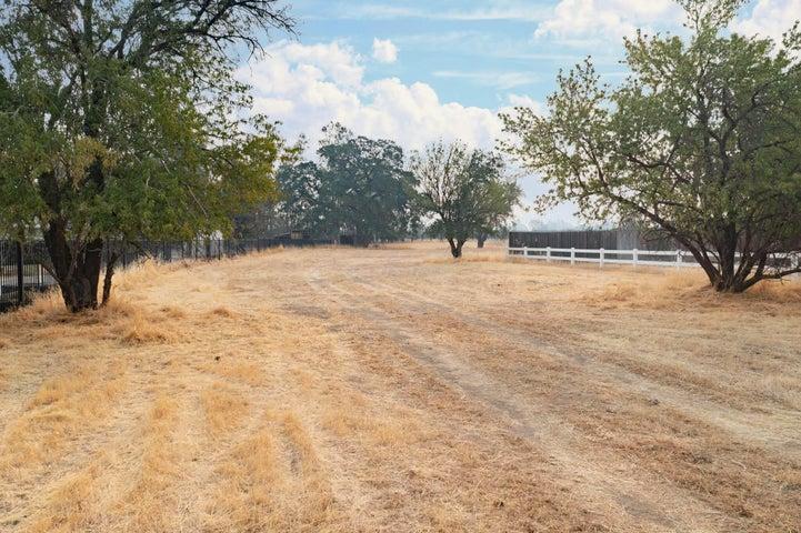 11 Krueger Ct, Red Bluff, CA 96080