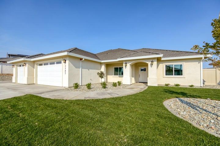 1187 Coggins St, Redding, CA 96003