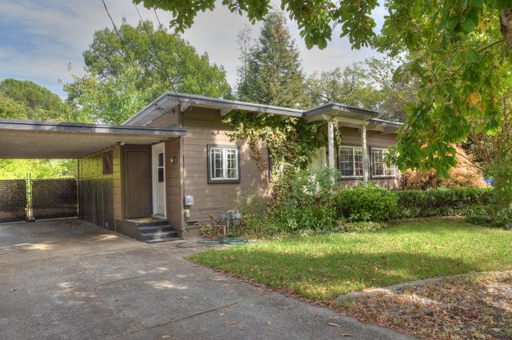 2295 Paris Ave, Redding, CA 96001
