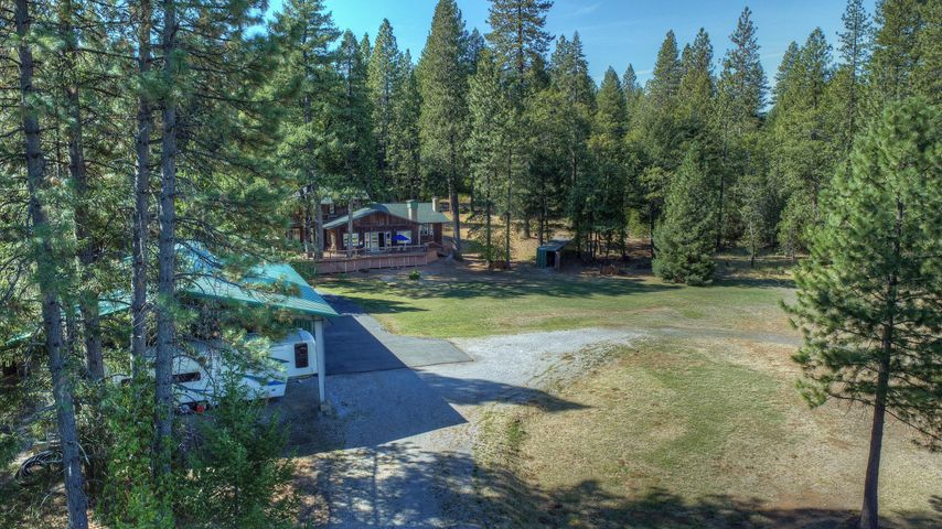 29230 Fenders Ferry Rd, Round Mountain, CA 96084