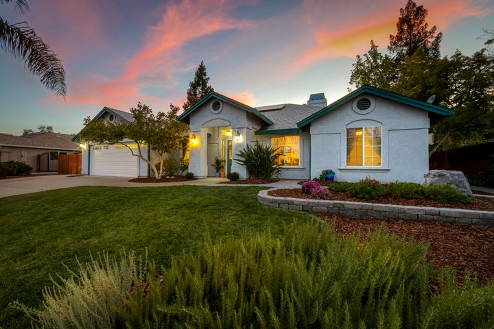 Stunning West Redding Home with inground pool and solar