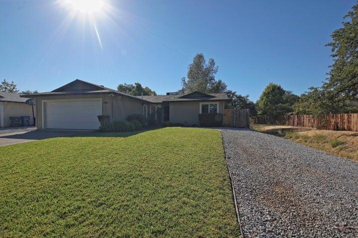 1197 Woodside Meadows Rd, Redding, CA 96002