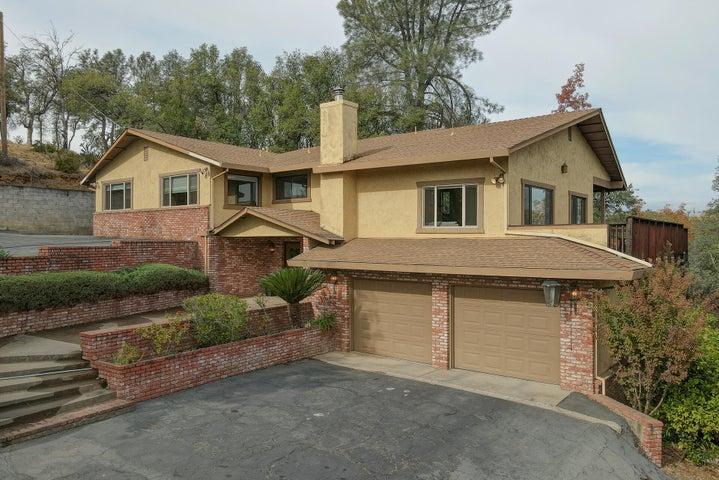 8594 Valley View Rd, Redding, CA 96001