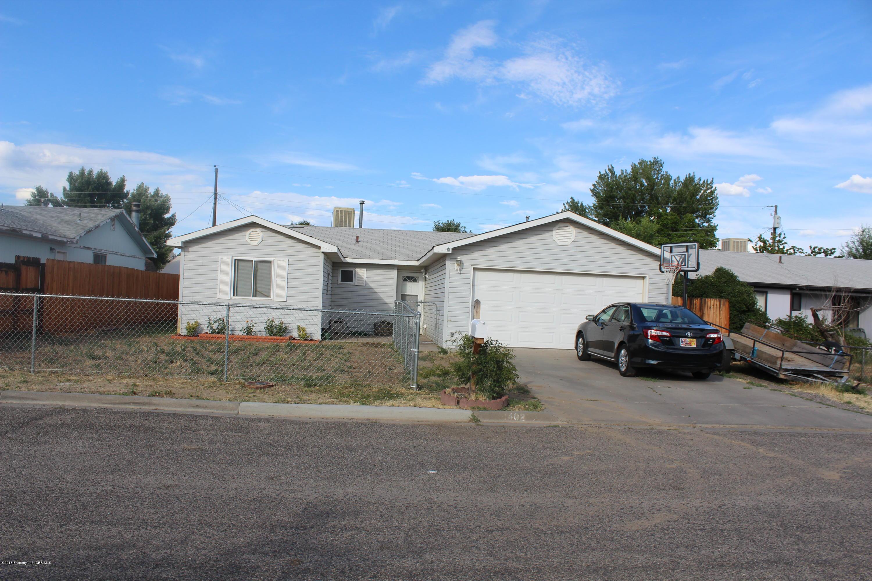 1402 PARKLAND Circle, AZTEC, NM 87410