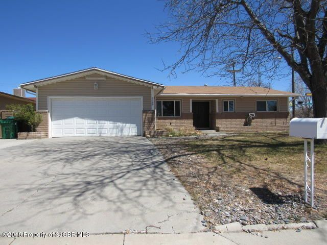3000 VISTA Circle, FARMINGTON, NM 87401