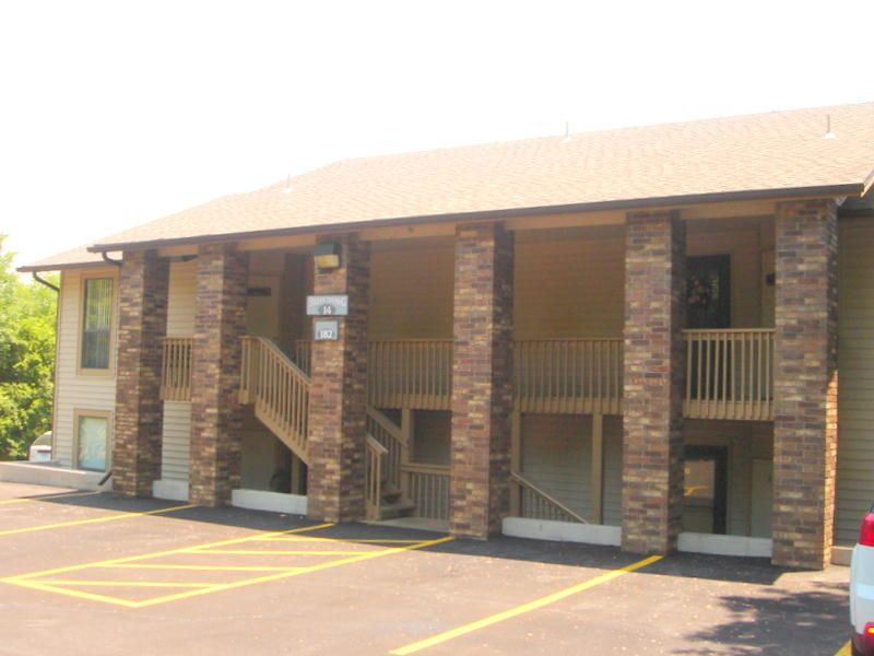 182  Turnberry Drive #unit 2 Branson, MO 65616