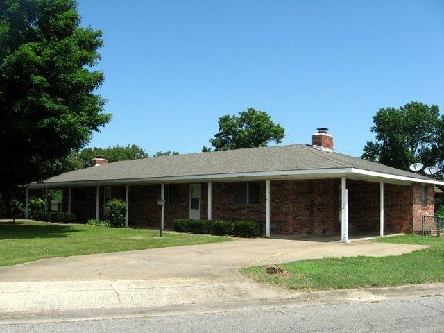 1813  Neihardt Street Branson, MO 65616