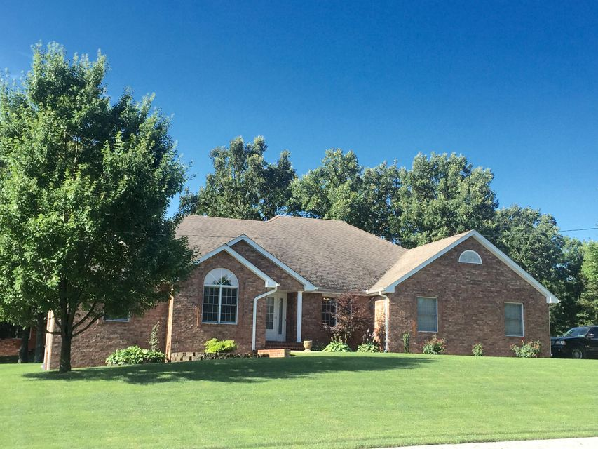 520 Forest Drive, Marshfield, MO 65706