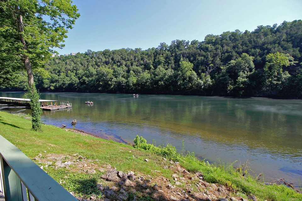 146  River Point Road #unit #2 Hollister, MO 65672