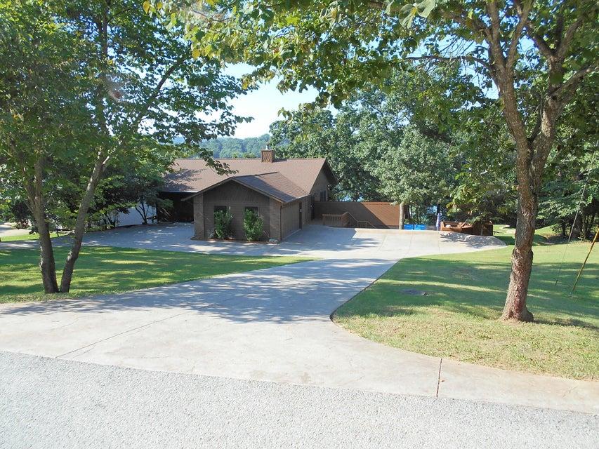 200  Lakefront Circle Kimberling City, MO 65686