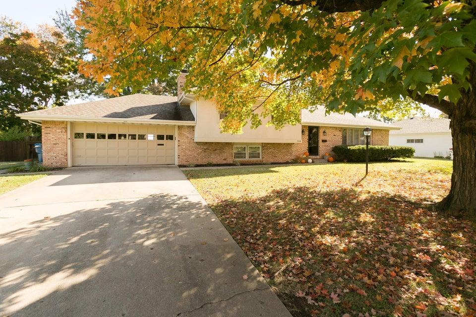 3524 South Dayton Avenue Springfield, MO 65807