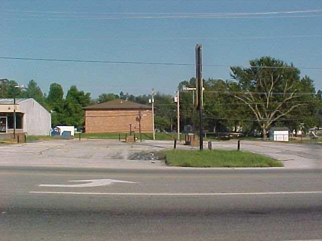 1208 South Elliott Avenue Aurora, MO 65605