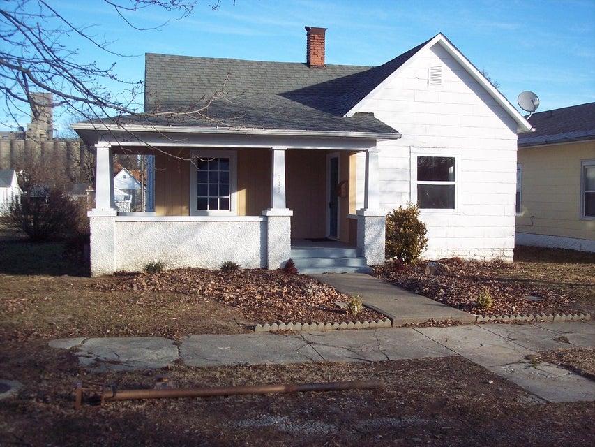 313 West College Street Aurora, MO 65605