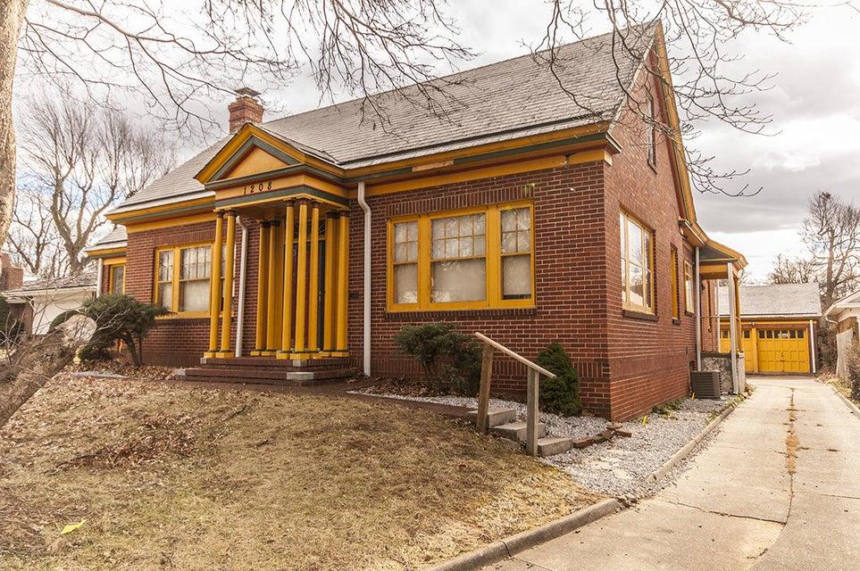 1208 East Walnut Street Springfield, MO 65802