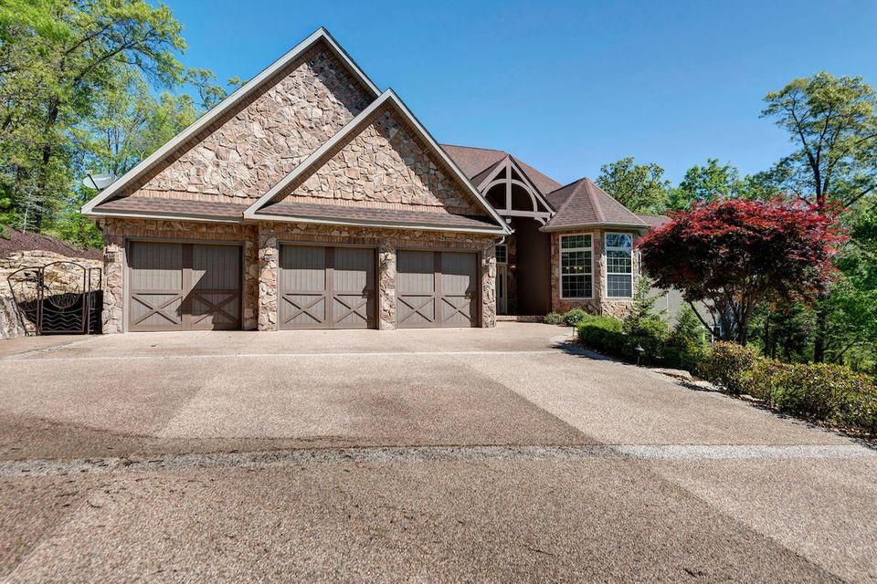 122  Silveroak Way Branson West, MO 65737