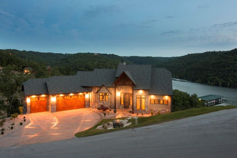 331  Point Pinnacle Drive Lampe, MO 65681
