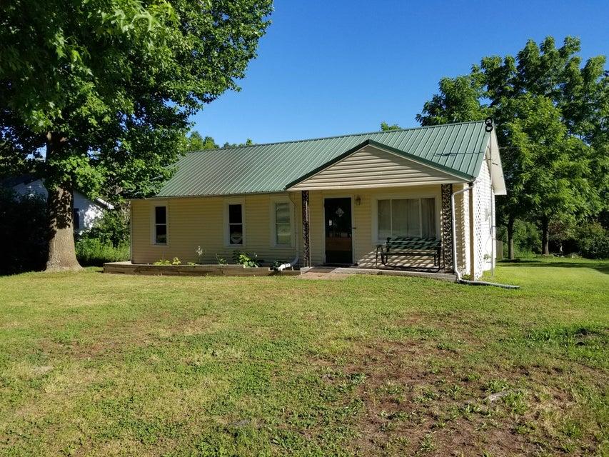 209 East Maud Ave. Crane, MO 65633