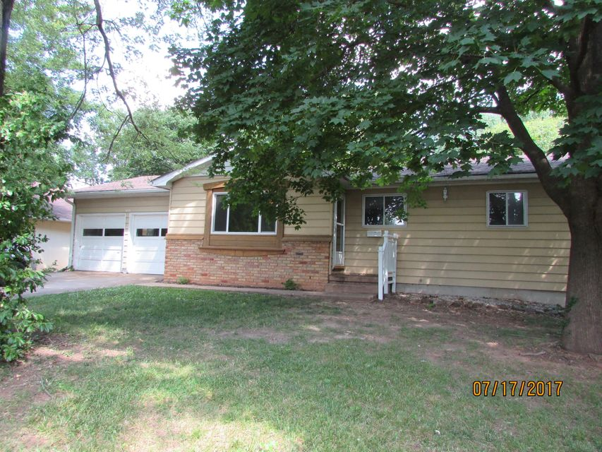 625 East Woodland Street Springfield, MO 65807