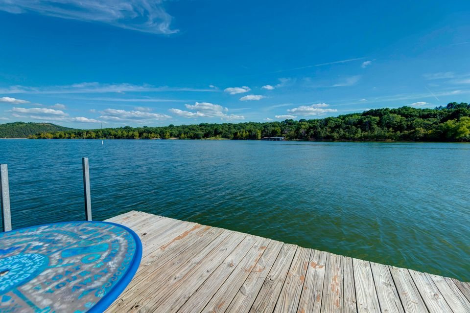 374  Lakefront Circle Kimberling City, MO 65686