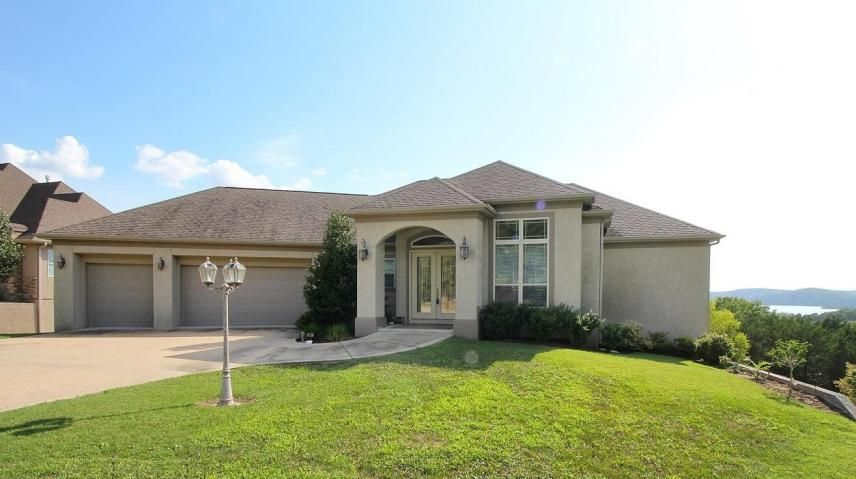 641  Crescent Drive Hollister, MO 65672