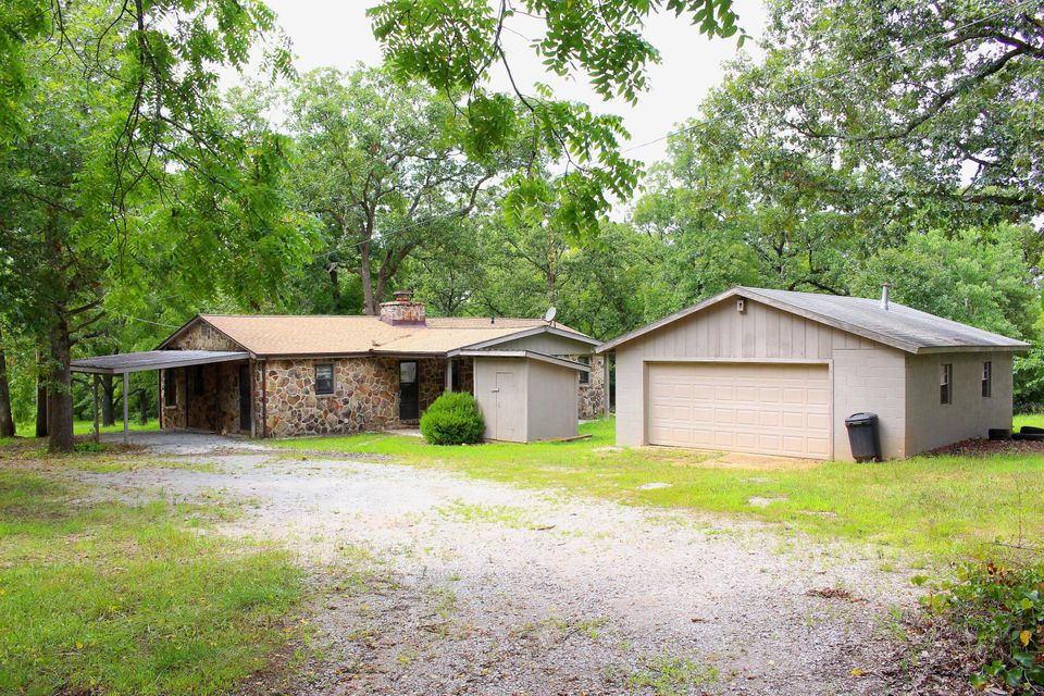 165  Lawton Road Lampe, MO 65681