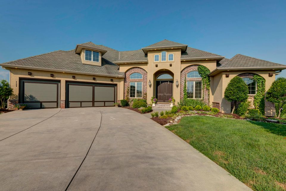 3158 West Lakefront Court Springfield, MO 65810