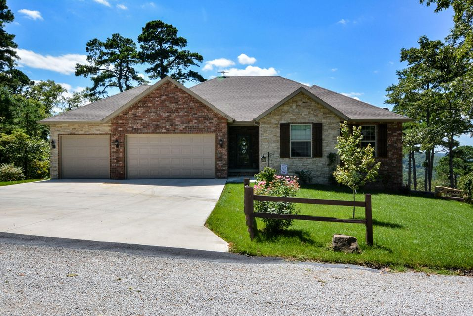 32  Turkey Trail Road Blue Eye, MO 65611