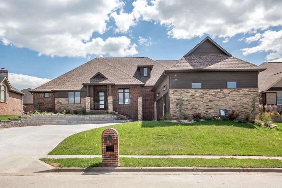 2850 East Chinkapin Lane Springfield, MO 65804