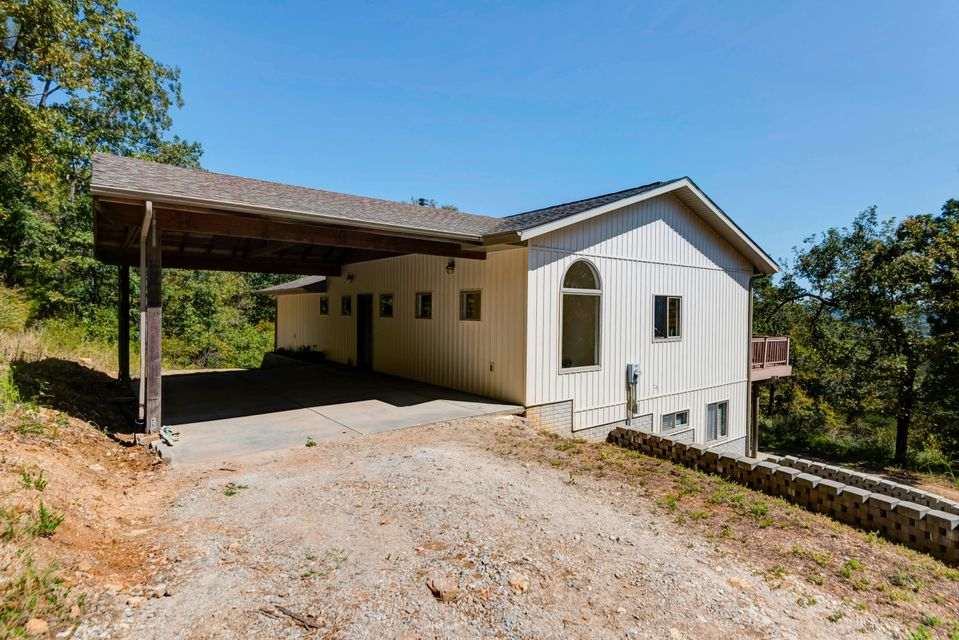 2  Rock Hill Road Lampe, MO 65681