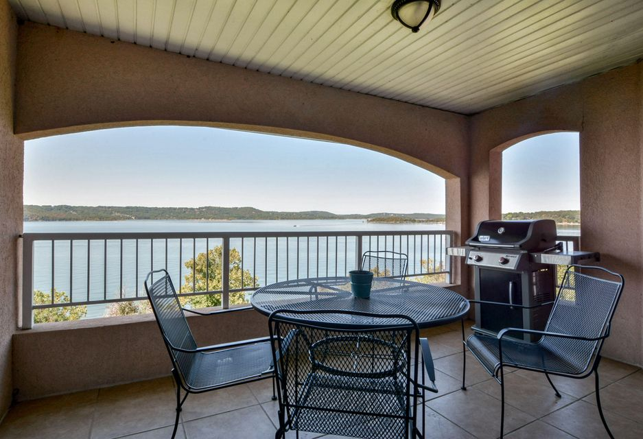 700  Emerald Point Drive #402 Hollister, MO 65672