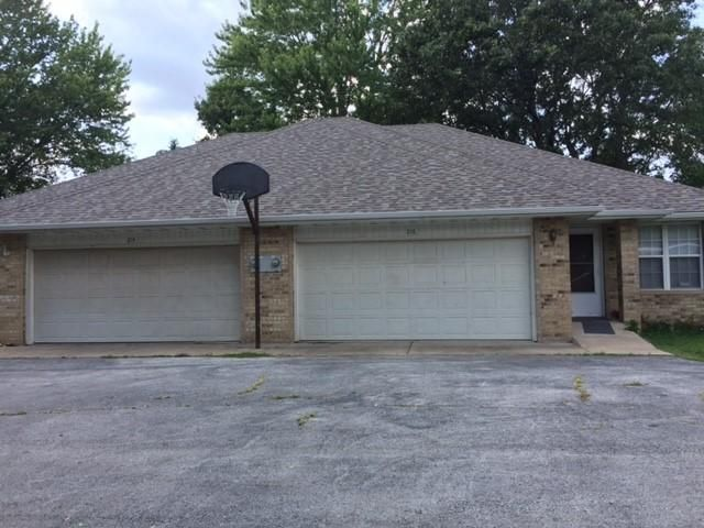 214-216 Walnut Street Sparta, MO 65753