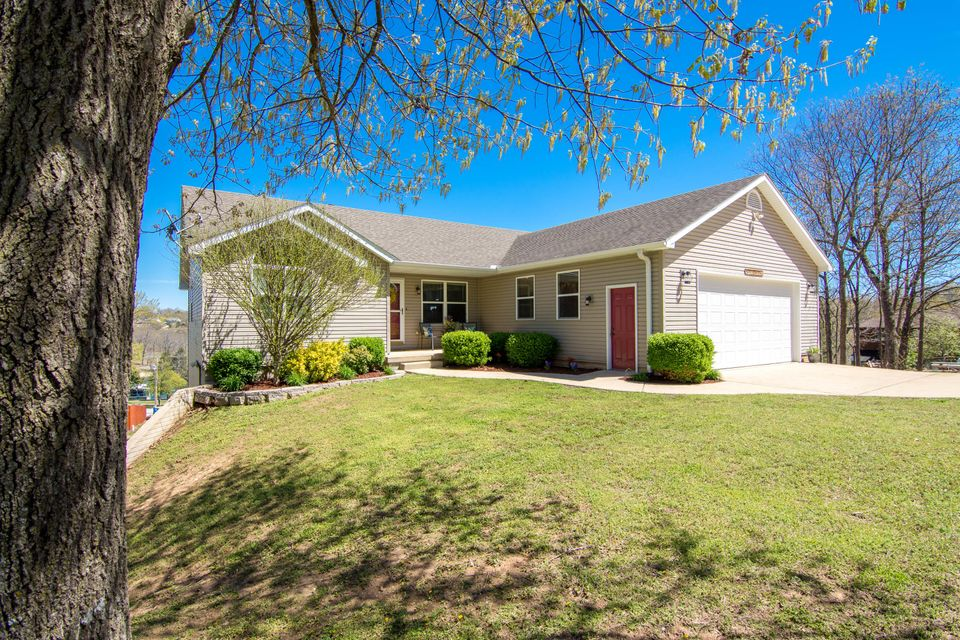 169  Forest Lane Kimberling City, MO 65686