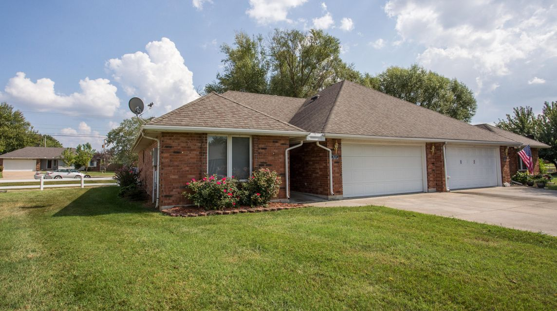 2618 South Overbrook Avenue Springfield, MO 65807